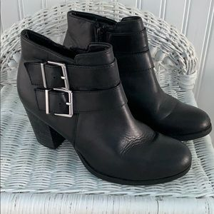 Clark's ankle boots black